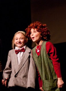 kate as daddy warbucks in annie
